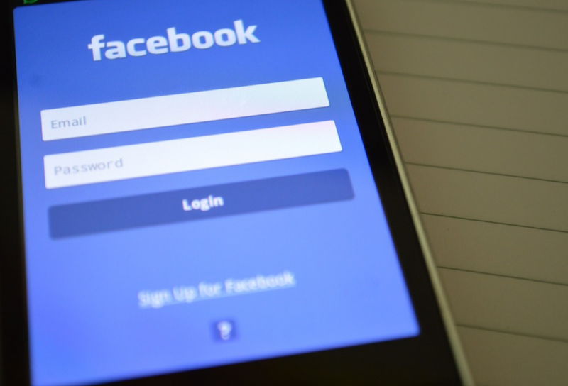 Jak sprzedawać na Facebooku?